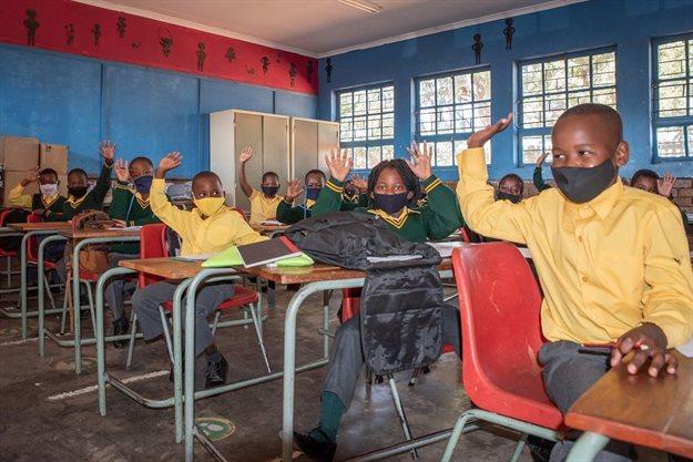 Saint-Gobain SA makes long-term commitment to Mvelaphanda Primary School